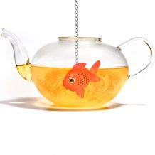 Čajové sítko SUCK UK Fish Tea Infuser